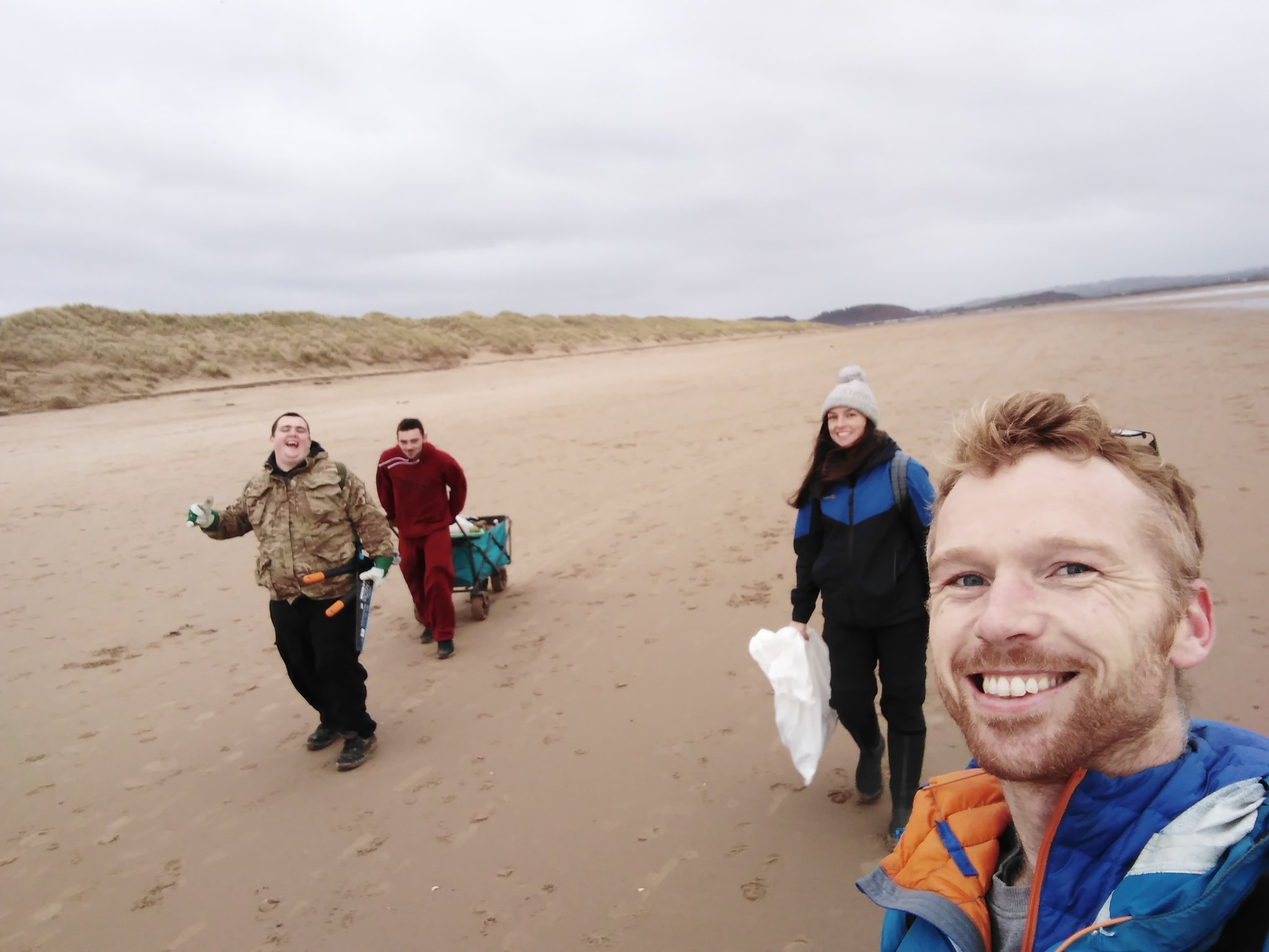 David with students on a Dynamic Dunescapes young persons training day in South Wales.